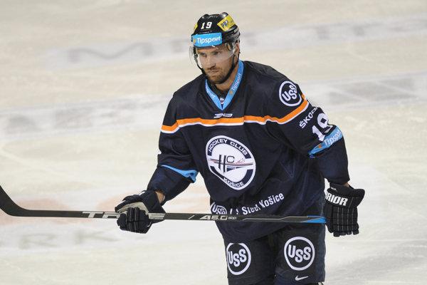 Michel Miklík si v tejto sezóne obliekal aj dres HC Košice.
