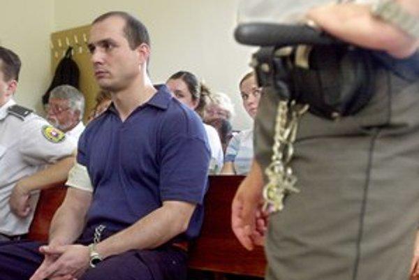 Prvý raz Cinkotu pre drogy súdili už v roku 2001 (na snímke). S pervitínom ho chytili opäť v roku 2007.