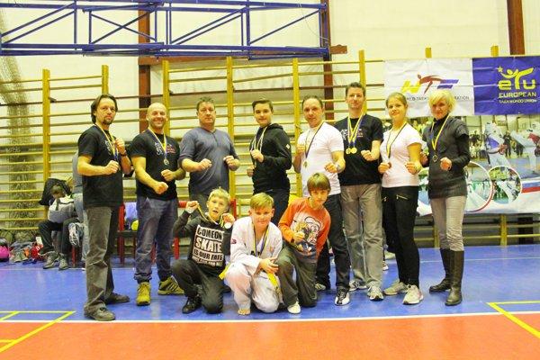 Výprava Koryo Panthers na turnaji Ilyo Cup.