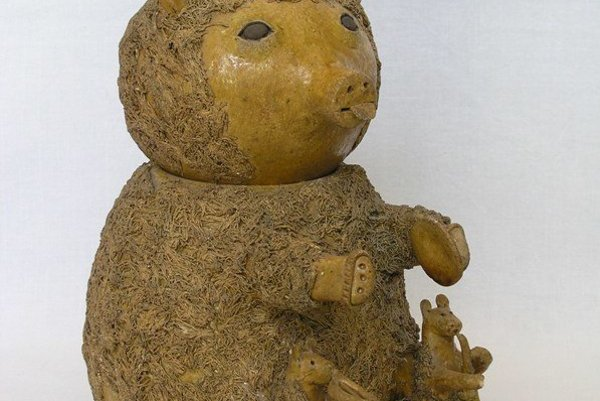 Hlinená tabačnica- medvedík.