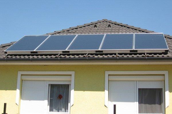Výraznejšie dotácie na slnečné kolektory a iné obnoviteľné zdroje pre domácnosti na Slovensku chýbajú už viac rokov.