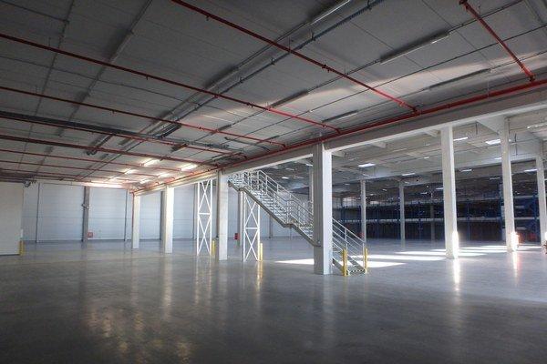 Priestory, ktoré si Alza prenajala, sú súčasťou novej budovy s plochou 15 500 štvorcových metrov.