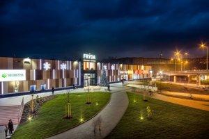 OC Frýda dokončili v roku 2014 a je jediným obchodným centrom v centre Frýdku-Místku.
