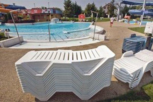 Kuvajtskí rodičia boli v čase tragédie od bazéna asi 50 metrov ďaleko.