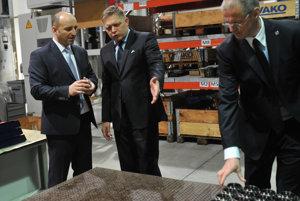 Premiér Robert Fico v závode prešovskej firmy Spinea.