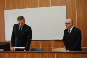 Premiér Robet Fico a riaditeľ GK2 Stanislav Šanta.