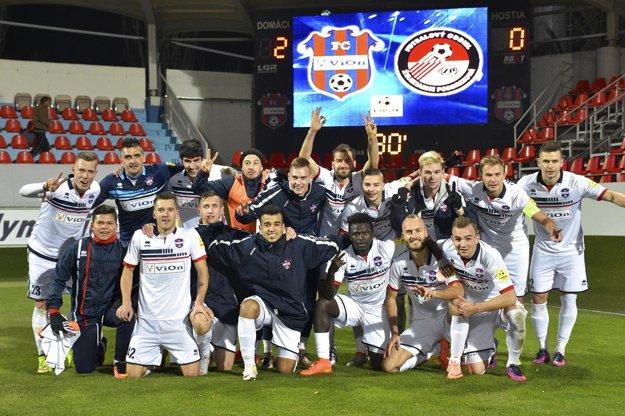 Futbalisti FC ViOn získali za tri kolá deväť bodov!