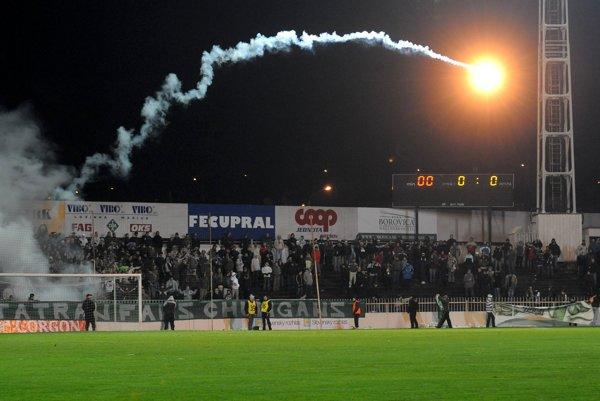 """Prešovský futbalový štadión. """"Deduška"""" medzi slovenskými štadiónmi nahradí moderná aréna. Dovtedy však budú musieť hrať Prešovčania vPoprade."""