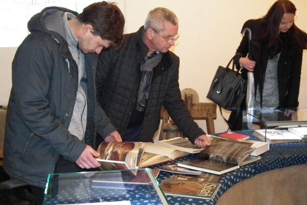 Na výstave je mnoho kníh adokumentov doby. Pozývame.