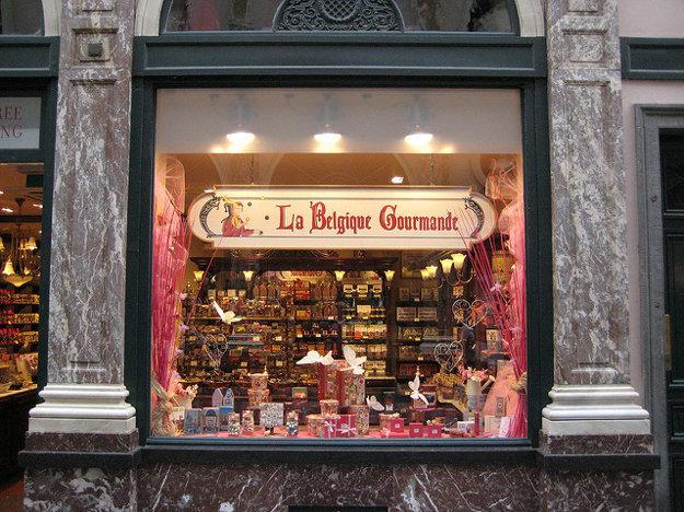 Typický obchodík s čokoládou v Bruseli.