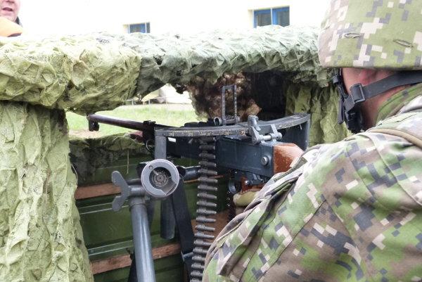 Okrem iných zamestnávateľov v regióne obsadzuje voľné pozície aj armáda.
