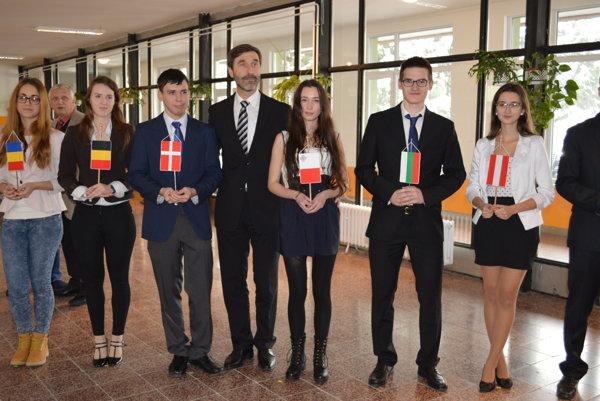 Uplynulý týždeň zavítal do školy Juraj Blanár, predseda ŽSK.
