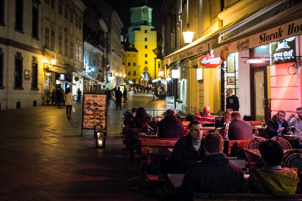 Nové nariadenie o otváracích hodinách Staré Mesto nestihne predložiť do konce roka.