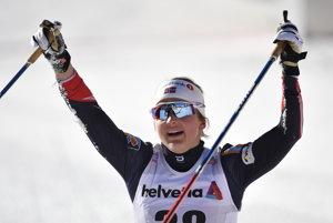 Ingvild Flugstad Östbergová sa teší po svojom sobotňajšom víťazstve.