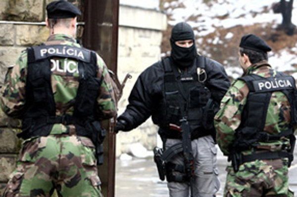 Skupinu zadržali v Bratislave na začiatku minulého roka.