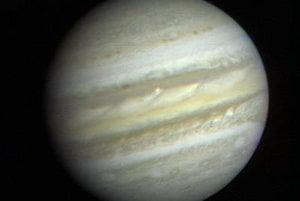 Prvý detailný záber z Voyageru 1 z roku 1979.