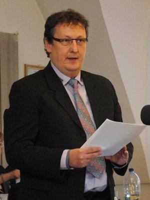   Miloš Mikula z mestského úradu.  