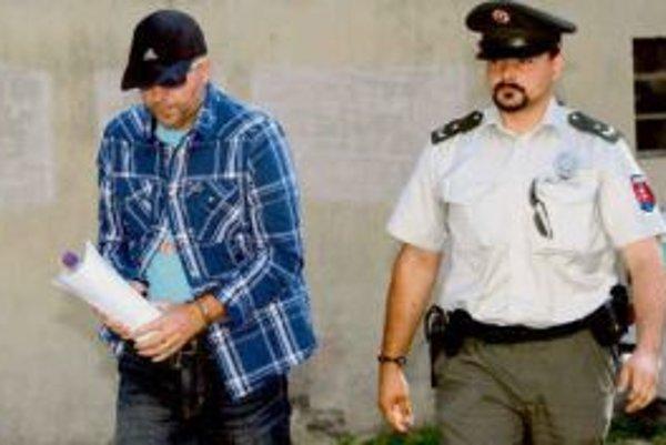 Do väzby šiel poradca premiérky Martin Novotný.