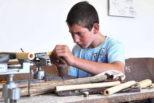 Deti sa učili nástroje vyrábať, aj na nich hrať.