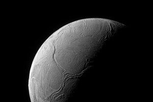 Mesiac Enceladus.