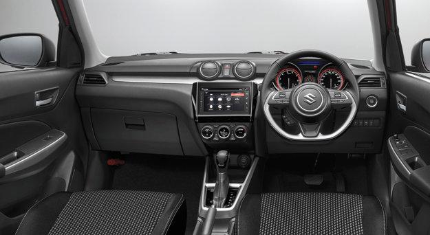 V interiéri ponúkne lepšie vybavené verzie multimediálny systém so 7-palcovým dotykovým displejom