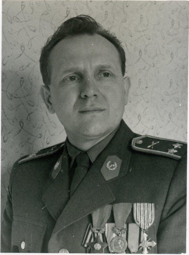 V obrodnom roku 1968 Ľudvíka Šestáka zvolili za vedúceho tajomníka Vojenskej politickej akadémie.