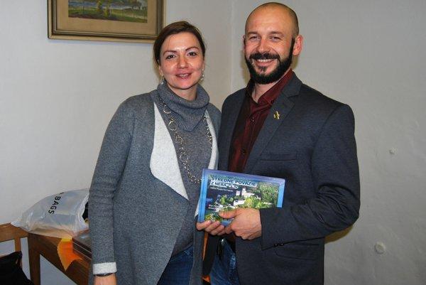 Dvojica autorov na prezentácii knihy v Trenčíne.