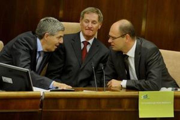 V koalícii prevláda názor, že Sulík nemá čo hľadať na čele Národnej rady SR, keď nepodržal premiérku Ivetu Radičovú a jej vládu.