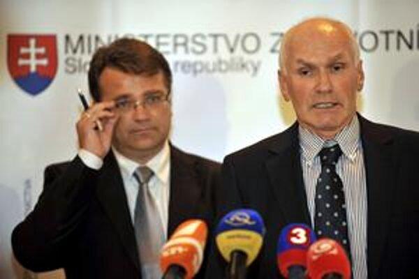 Minister Ivan Uhliarik a šéf lekárskych odborárov Marian Kollár: prvé kroky k dohode.
