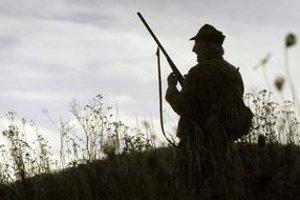 V tme občas poľovníci strieľajú podľa sluchu.