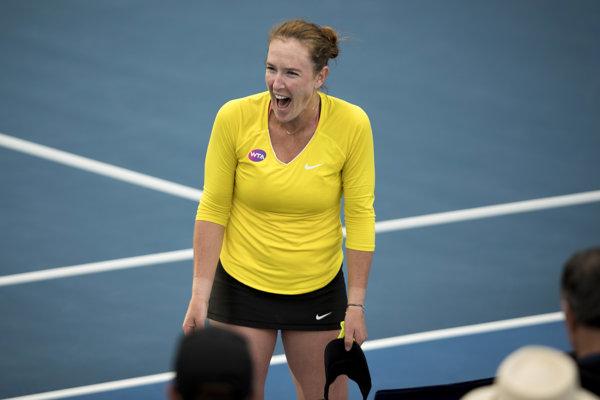 Madison Brengleová vyradila v druhom kole Serenu Williamsovú, do semifinále ale nepostúpila.