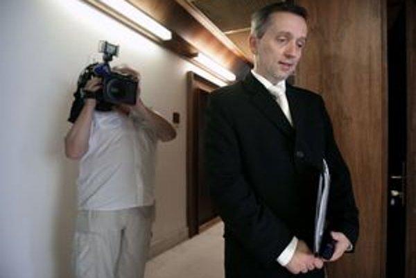 Jozef Čentéš zostáva aj po zmene názoru Ústavného súdu čakateľom. Prezident s jeho vymenovaním za generálneho prokurátora stále váha.