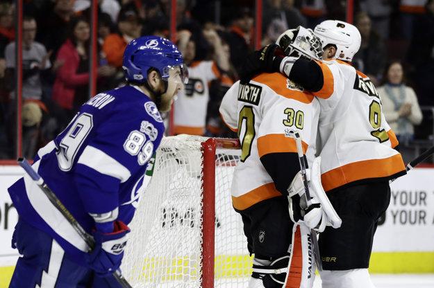 Hráči Philadelphie Flyers zvíťazili nad Tampou Bay Lightning 4:2.
