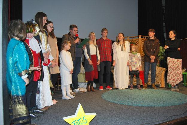 TOTUS TUUS.Trenčianskoteplický divadelný súbor hrá počas Vianoc už siedmu sezónu.