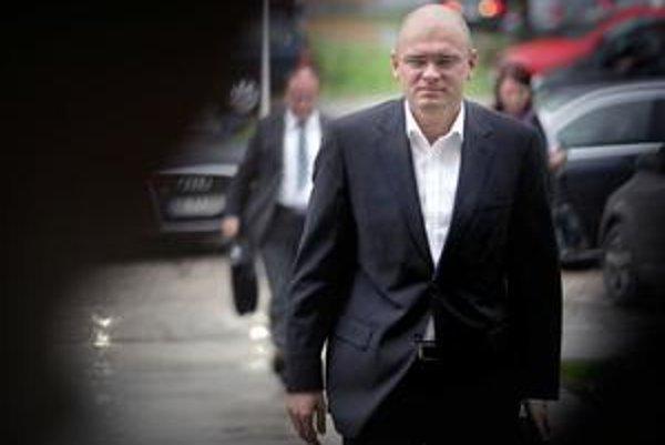 Richard Sulík ponúka za šéfa Národného bezpečnostného úradu svojho kamaráta. S kauzami Lexovej SIS vraj nemal nič spoločné, hoci tam pracoval.
