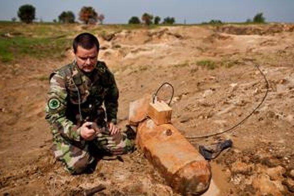 Na strelnici staré letecké bomby likvidujú často.