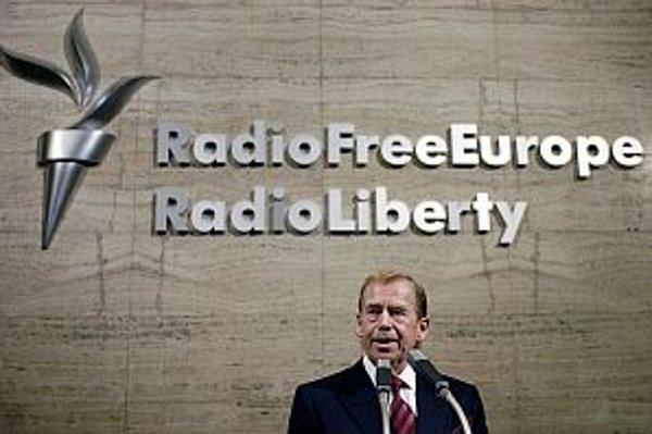 K poslucháčom a podporovateľom stanice patril aj Václav Havel.