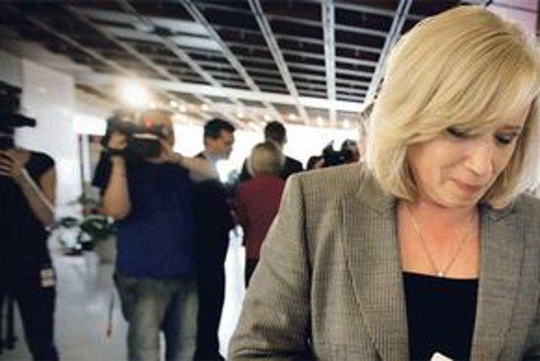 Premiérka Iveta Radičová je proti vynášaniu lístkov.