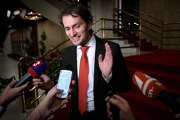 Igor Matovič sa prebojoval aj na večerné stretnutie koaličných lídrov. Keď z neho vyšiel, bol tajomný.