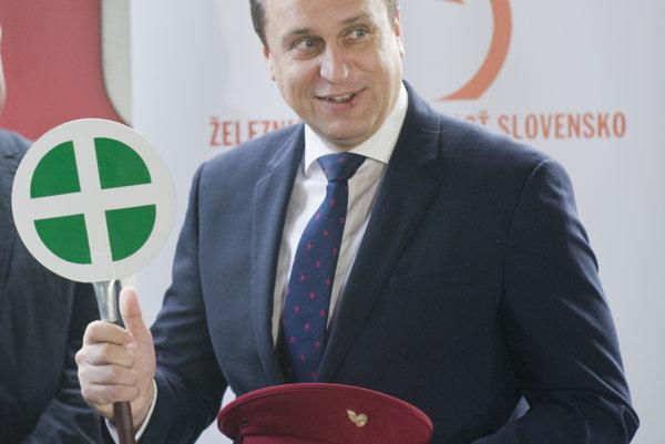 Štátne IC vlaky sú pre Andreja Danka srdcovou záležitosťou