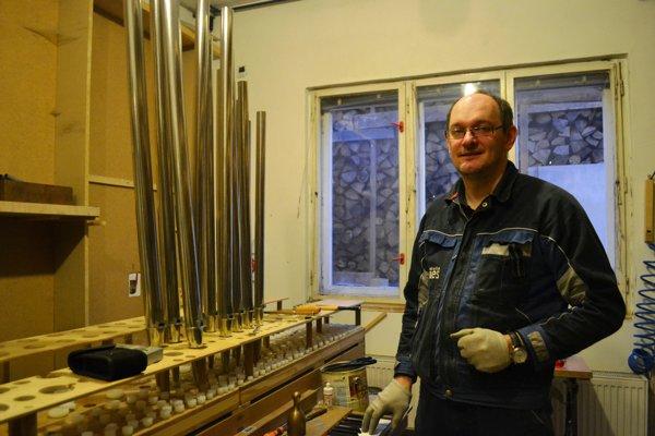Výrobca organov Gabriel Bies.