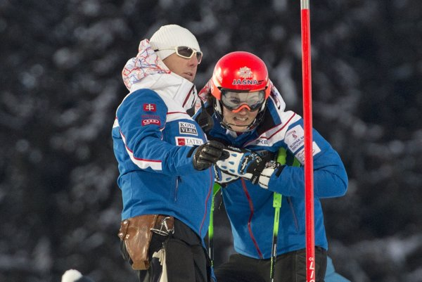 a snímke vľavo tréner Livio Magoni a vpravo jeho zverenkyňa slovenská slalomárka Petra Vlhová