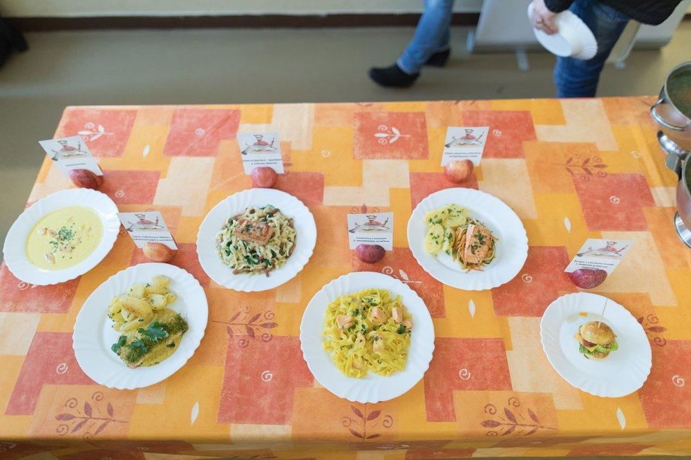 Šéfkuchár pripravil viacero jedál z lososa, ktoré by mali vyhovieť aj detským chutiam.