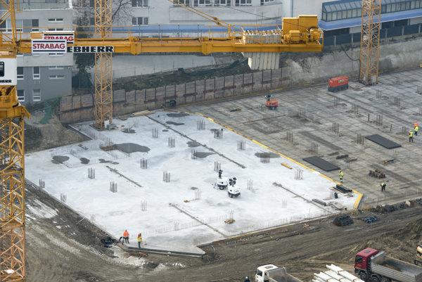 Práce na Národnom futbalovom štadióne sú v plnom prúde. Fotografia je zo 6. decembra 2016.