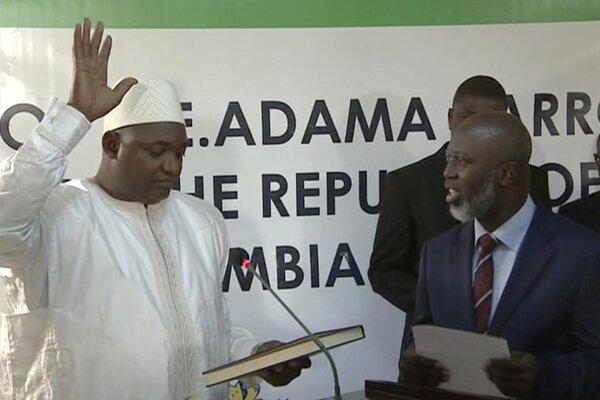 Víťaz prezidentských volieb v Gambii zloží sľub v Senegale.