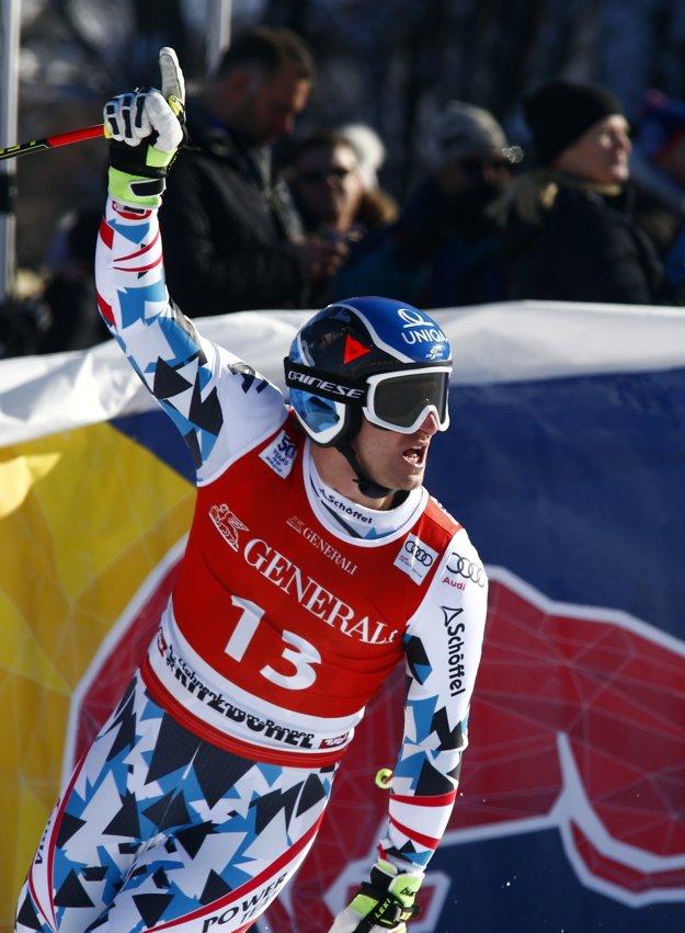 Matthias Mayer predtým nestál na pódiu vyše roka.