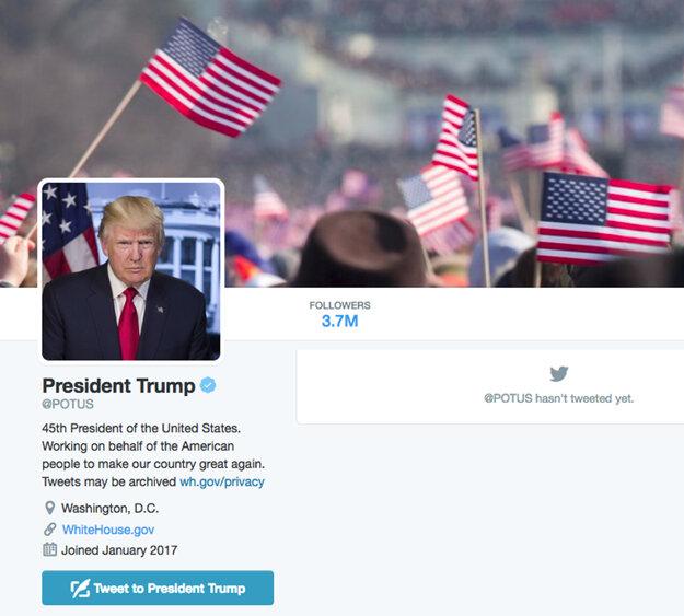 Titulná fotografia Trumpovho prezidentského účtu pochádzala z Obamovej inaugurácie.