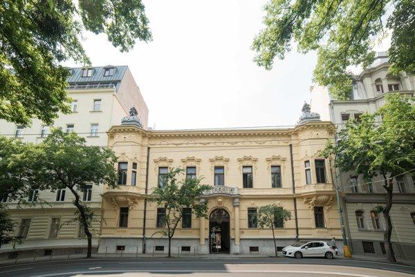Pohľad na budovu Pisztoryho paláca.