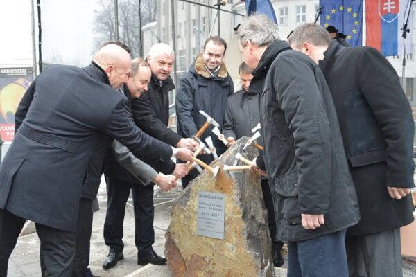 Slávnostné zahájenie výstavby úseku diaľnice D3 Čadca, Bukov - Svrčinovec.