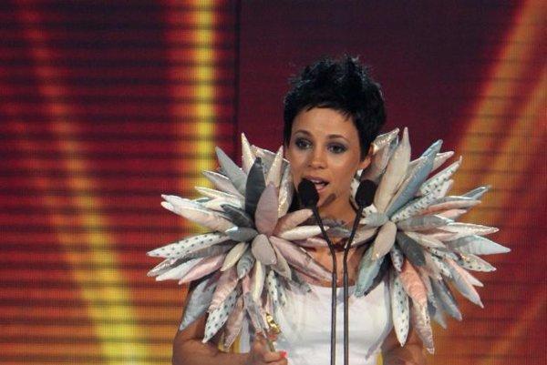 Rok 2011. Tina získala za svoje piesne zlatého Slávika.